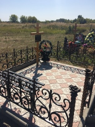 Благоустройство мест захоронения (укладка плиткой)